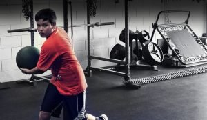 ATHLETE TRAINING// PERFORMANCE PROGRAMS FOR JR. HIGH TO PROFRESIONALS